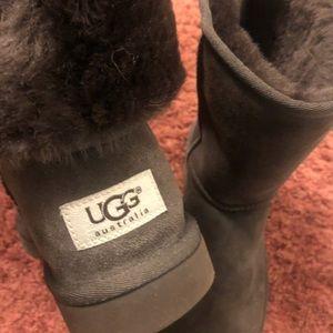 UGG Shoes - 🎊🎉HP🎊🎉Authentic UGG Women's Classic Short II
